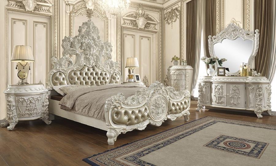 Giường ngủ phong cách cổ điển với nhiều nét hoa văn cầu kỳ