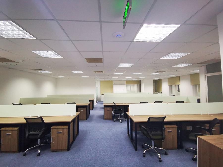 Không gian phòng làm việc dành cho nhân viên thoải mái và rộng rãi