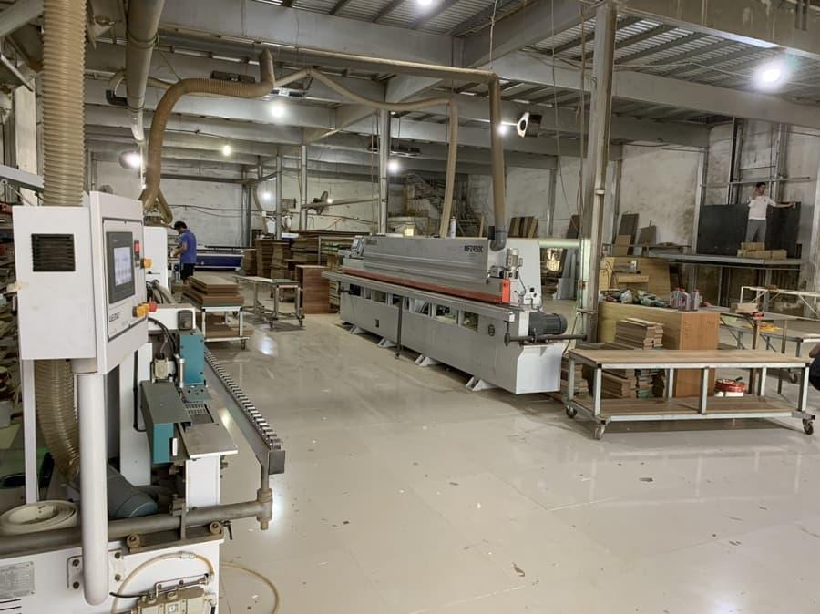 Không gian xưởng sản xuất gỗ công nghiệp của ATOZ Design